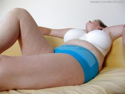 Mature woman with chunky hangers 2