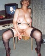 BBW MATURE IN STOCKINGS