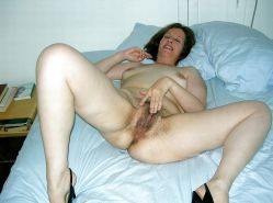 MILFS spreading hairy pussy Porn Pics #7295959