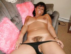 MILFS spreading hairy pussy Porn Pics #7296057