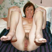 MILFS spreading hairy pussy Porn Pics #7296187