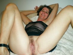 MILFS spreading hairy pussy Porn Pics #7296196