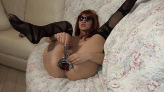 Veneisse anal fisting & giant speculum in ass