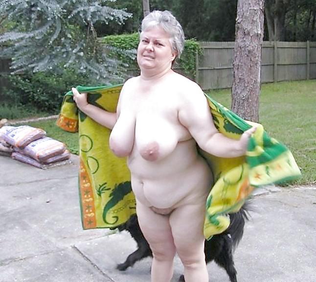 Les salopes ( granny with big boobs) Porn Pics #16822551