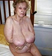 Les salopes ( granny with big boobs) Porn Pics #16822245