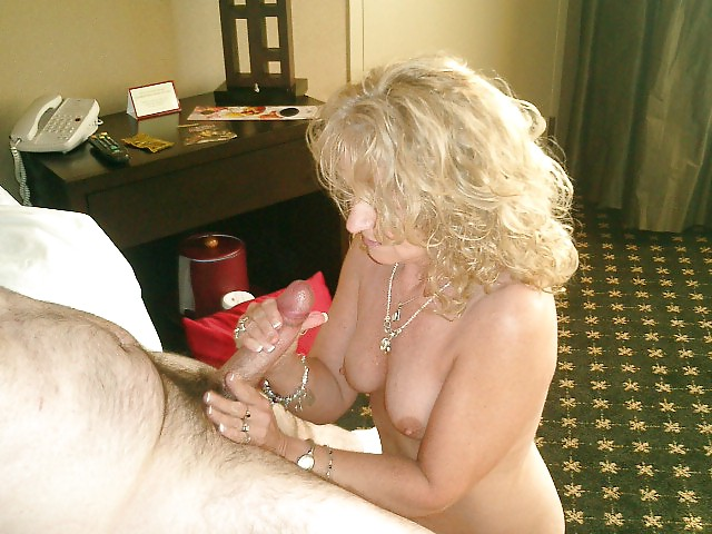 More mature moms and wives posing and getting used Porn Pics #10246743