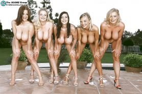 Nude girls in groups outdoors. Multi flash!