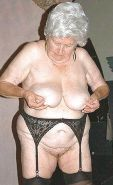 PERFECT  WOMAN      (OLD -MATURE BBW )