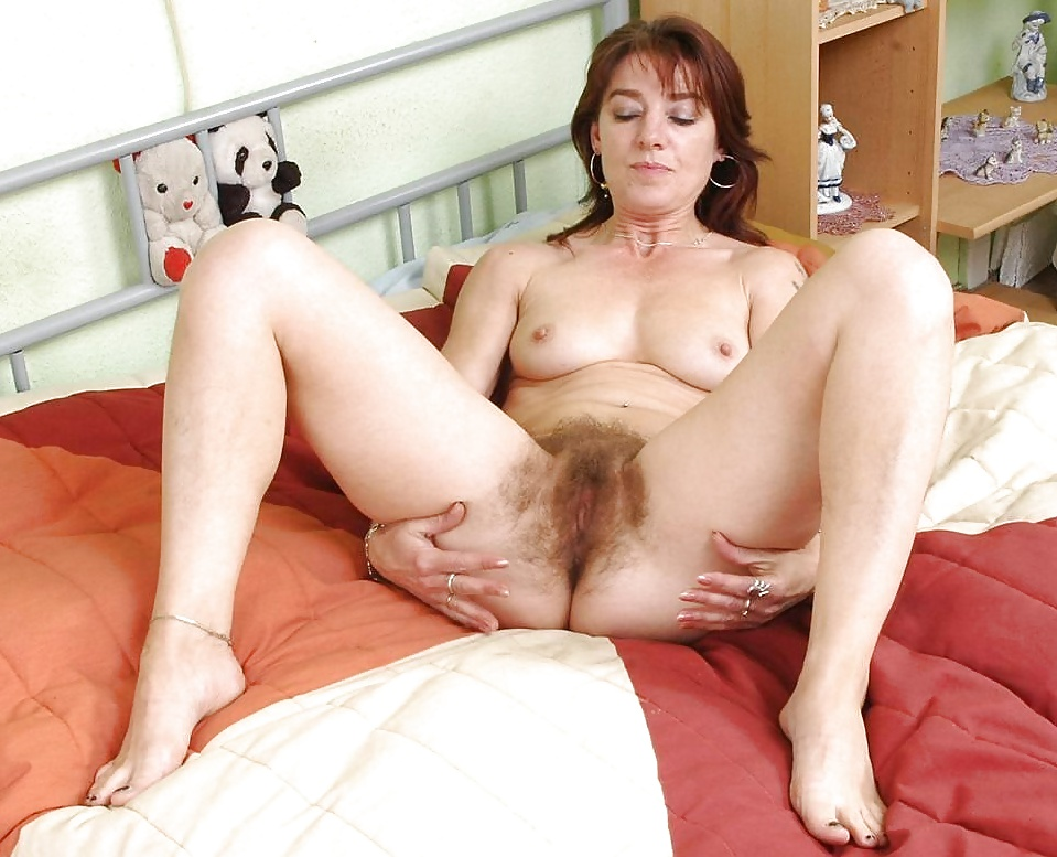 Collection of women with hairy pussy 2 Porn Pics #18485365