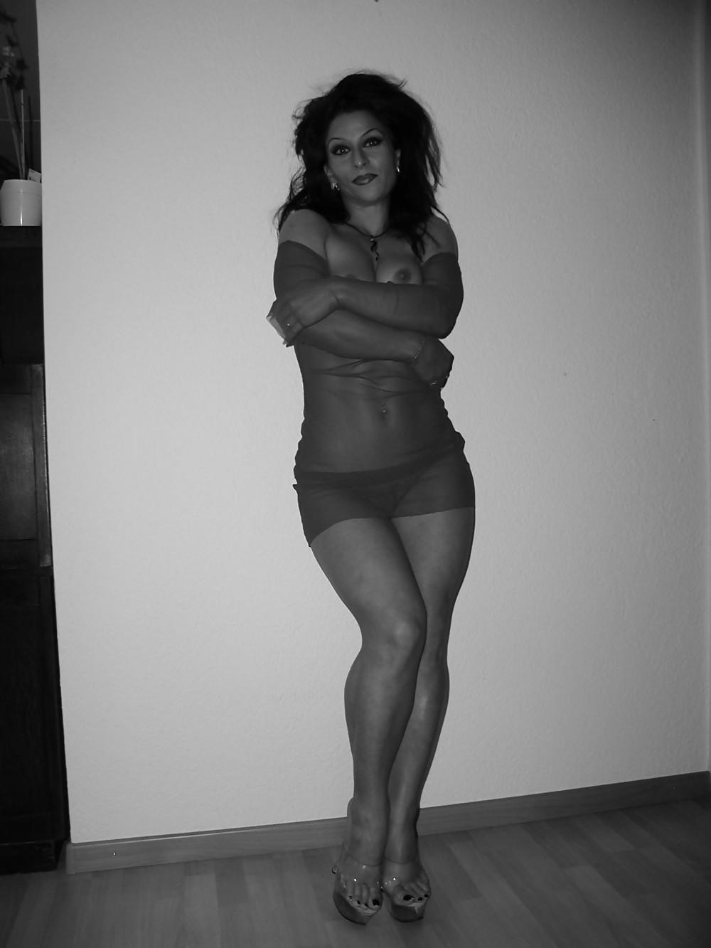 Thick Italian Milf Porn Pics #6907623