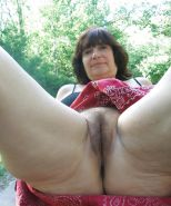 Hairy mature spreading #20397571