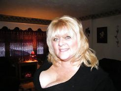 More bbw mature milf granny cleavage (non nude)