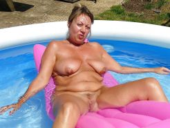 Mature women on the beach - 9