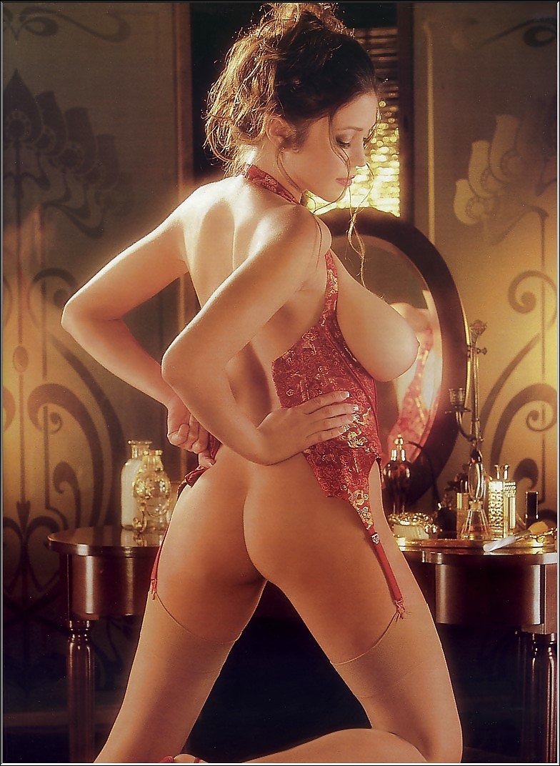 glamour nudes Latino