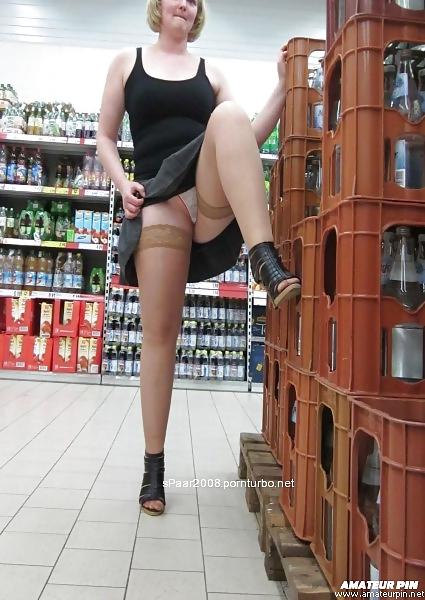 Shopping and flashing ( store voyeur ) Porn Pics #13271922