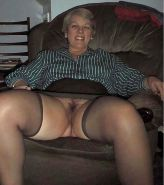 Mature Mix hairy pussy