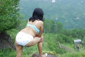 Pakistani girl outdoor pictures in pakistan