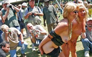 Flashing and PUBLIC NUDITY MIX Porn Pics #5850672