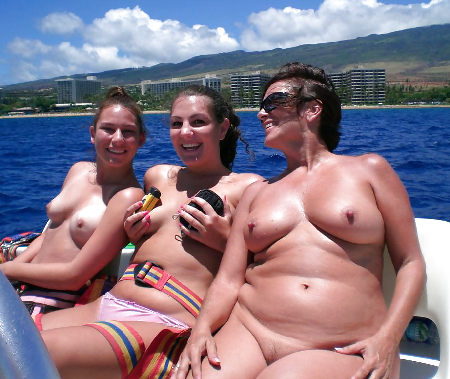 Moms and not their daughters... By Gonget Porn Pics #15480121