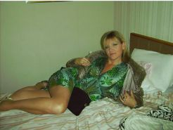 Mature amateur clothed 2
