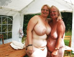 Still More Mature Moms and not their daughters friends Porn Pics #19374291