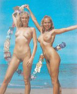 Nudists Naturists Public Outdoor Flash - Sapphic Intentions?