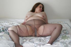 Mature BBW Kandi in pantyhose