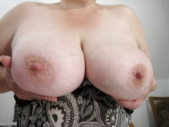 AMATEUR MATURES GRANNIES BBW BIG BOOBS BIG ASS 30