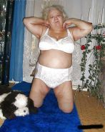 Granny prepares her panties for sniffing