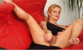 Bea Dumas-German Mature Goddess