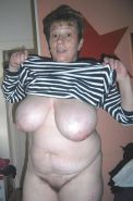 MATURE  AND GRANNY SHOW THEIR BITS 2