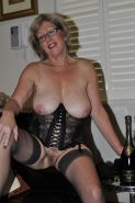 MATURE  AND GRANNY SHOW THEIR BITS 2 #31454724