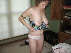 MATURE  AND GRANNY SHOW THEIR BITS 2 #31454747