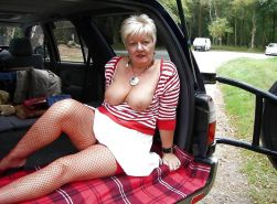 MATURE  AND GRANNY SHOW THEIR BITS 2 #31454795