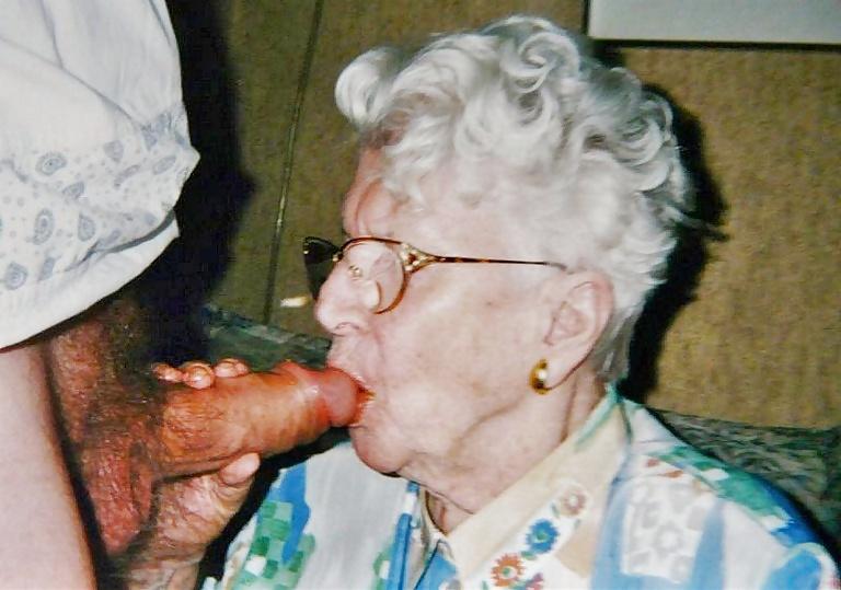 Grannies mature milf blowjob handjob sucking 3 #33840695
