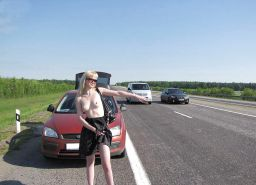 AMATEUR PUBLIC NUDITY: GIRLS FLASING IN CARS #37116930