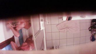 Hidden cam - Cousins in bathroom