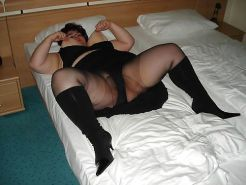 Amateur MILFs spreading their legs for you #30494383