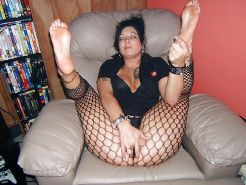 Amateur MILFs spreading their legs for you #30494426