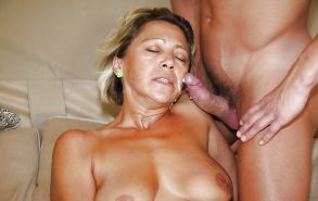 Amateur mature and milf  sucking cock ...