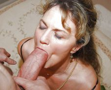 Amateur mature and milf  sucking cock ... #25957783