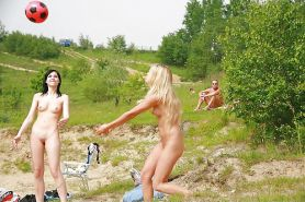 Flashing, voyeur and nude in public at hotsportygirls