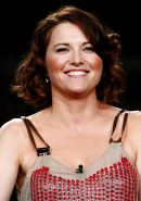LUCY LAWLESS  -- SEXY and so DAMMED HOT!!!!!