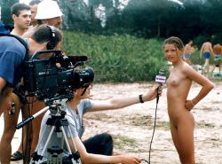 Extreme (public) nudity situations #40688238