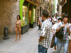 Extreme (public) nudity situations #40688273