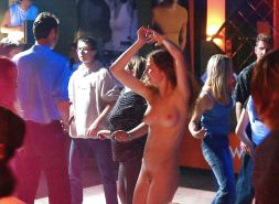 Extreme (public) nudity situations #40688314