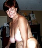 Amateur Matures, MILFs, Wives, Moms