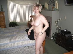 Amateur Matures, MILFs, Wives, Moms #25183985
