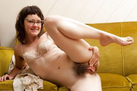 Hairy Babes Pussy  Spreading #37390000