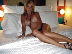 Only the best amateur mature ladies.24